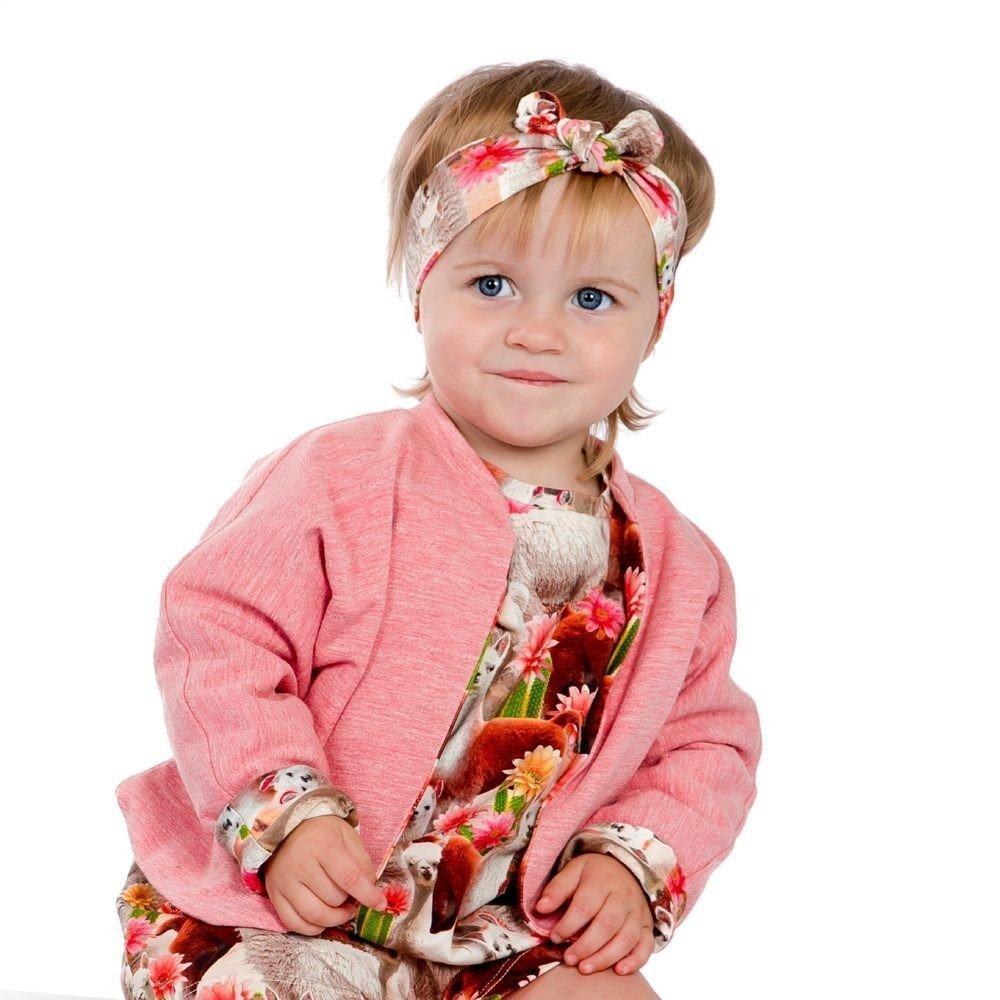 Onze eerste babycollectie , baby, meisje, kleurrijk vestje comfortabel in bio-jersey