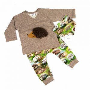 set-baby-jongen-shirt-v-hals-opdruk-egel-motief