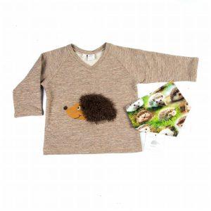 shirt-v-hals-opdruk-egel-motief