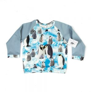 lichtblauw-sweater-digitale-print