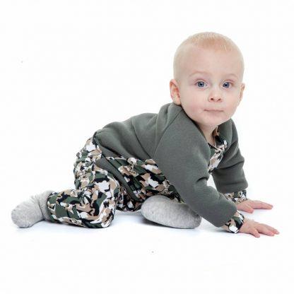 baby-jongen-kaki-sweater-camouflage-print